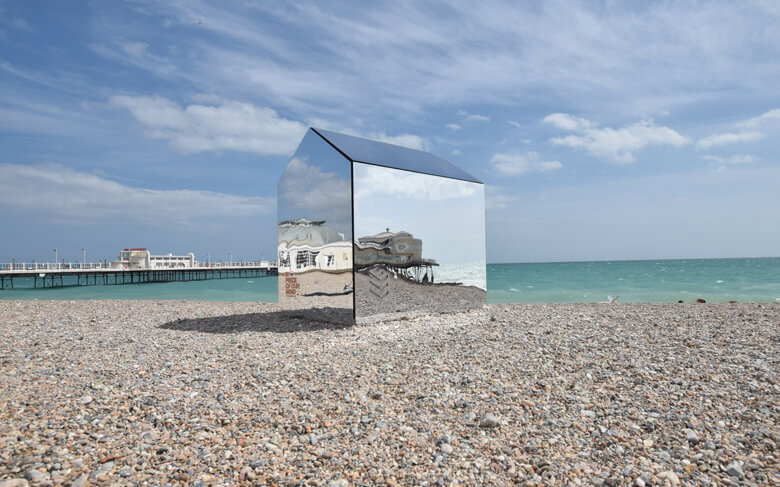 mirrored-beach-hut1